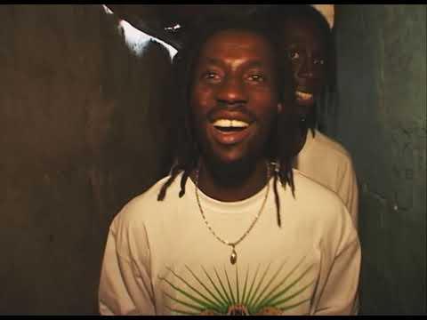 """""""We Speak Hip-Hop"""", épisode 8 : En Guinée, Deeg J Force 3 crie l'espoir"""