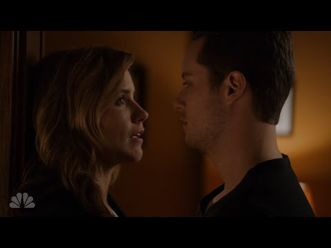 Erin & Jay's first kiss (Linstead)   Chicago PD   2x11