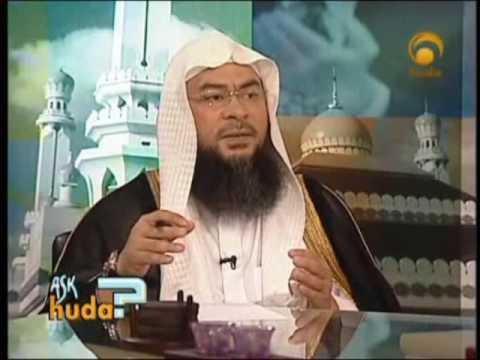is it obligatory to read al-Fatiha after imam?Sheikh Assim alhakeem