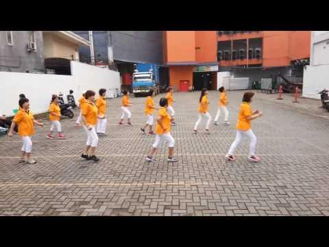 Maria mariana...group senam pagi & line dance SCP samarinda (Kaltim)