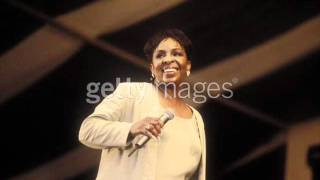 "Gladys Knight ""Hero / Wind Beneath My Wings"" (1995)"