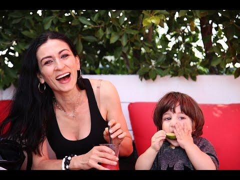 Heghineh Family Vlog #28 - Առաջին դեղձը - Heghineh Cooking Show