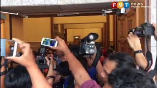 Isa Samad Freed After 5-day Detention