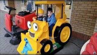 WHEELS ON THE BUS Song-Bob the Builder Token Ride