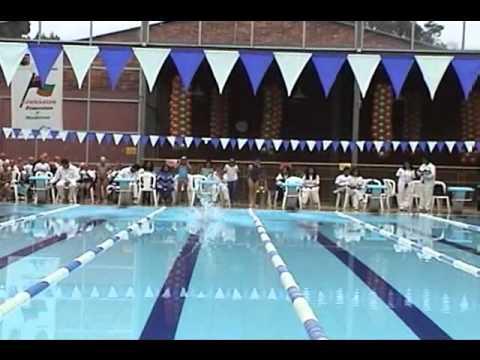 Equipo de natacion gimnasio moderno youtube for Gimnasio moderno