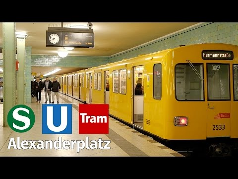 Berlin Alexanderplatz: S-Bahn, Underground, Tram at night