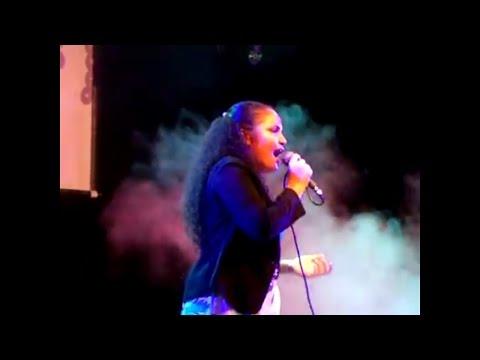 Voice Estação - Carla Vanessa Cantando   Elis Regina - como nossos pais