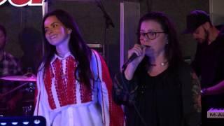 INNA canta cu mama ei - Canta cucu-n Bucovina feat. Nicoleta Nuca & Lori Ciobotaru Video