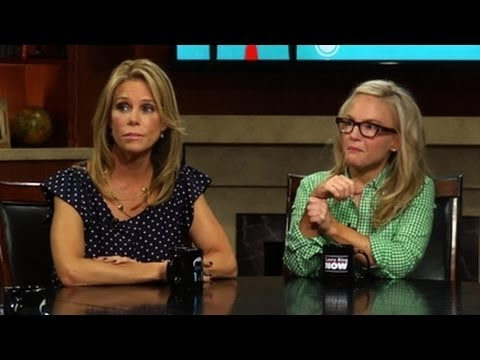 Cheryl Hines and Rachael Harris Are Deadly Serious About Dating