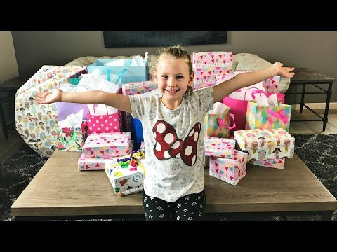 GWYNETH'S 7TH BIRTHDAY PARTY | OPENING PRESENTS!