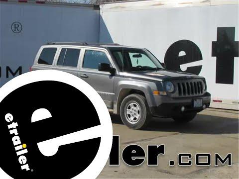 trailer-hitch-installation---2014-jeep-patriot---curt---etrailer.com
