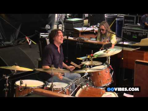 "The Black Crowes performs ""Feelin' Alright"" at Gathering of the Vibes Music Festival 2013"