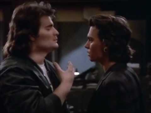 Johnny Depp Peter DeLuise 21 jump street s03e18  Penhall teaches Hanson to be a gangster