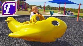 Детская Площадка в Америке и Приключения Максима – влог играет видео для детей playing at playground