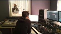 Stefano Herren rapt im FiWeR Studio