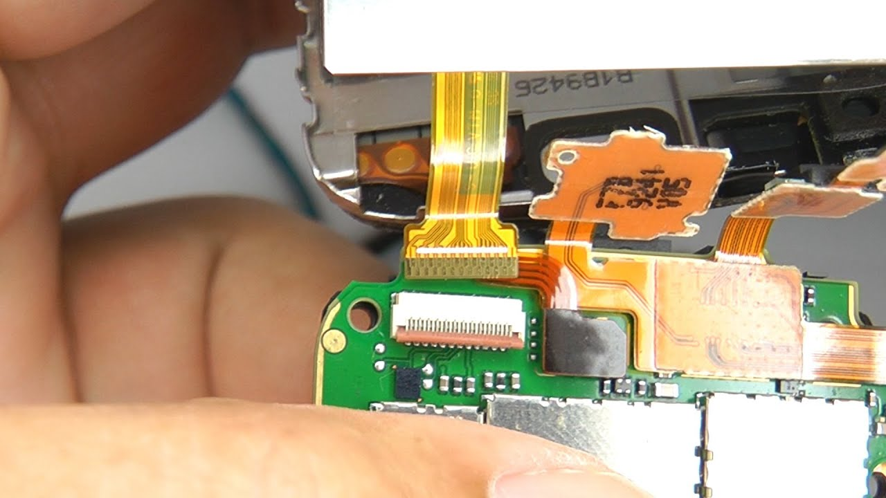 How to disassemble the Nokia 5530 6