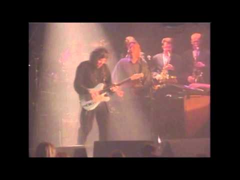 GARY MOORE-THE SKY IS CRYING