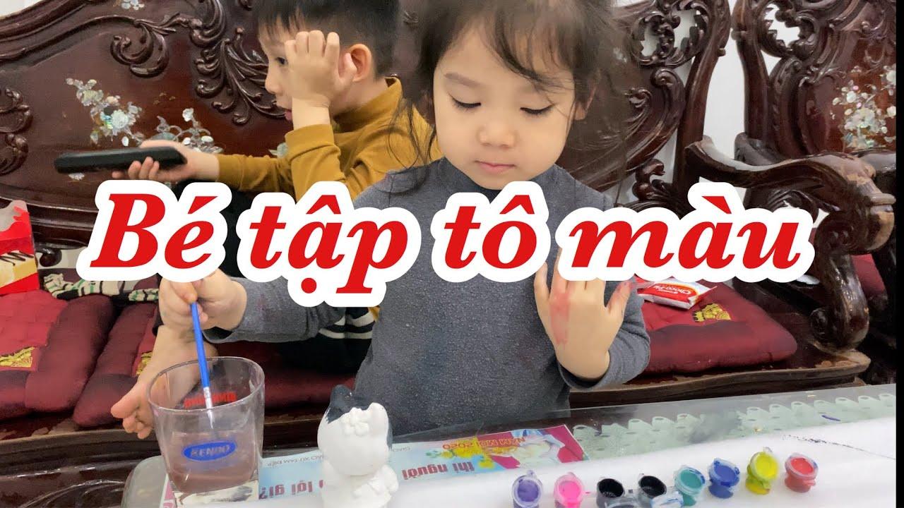 Kim Ngân tập tô màu trên tượng thạch cao, Tô màu giúp ích gì cho các bé