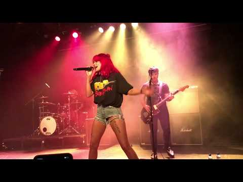 Yungblud – 11 Minutes (ft Halsey) LIVE