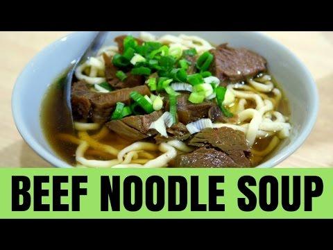 taiwanese-beef-noodle-soup-in-taipei,-taiwan-(牛肉麵---牛肉面)