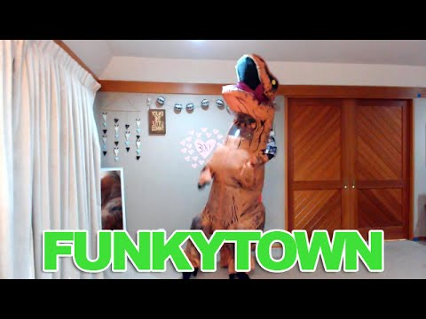 Funkytown - Sweat Invaders - Just Dance 2016