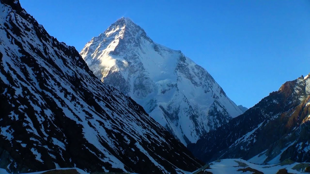 mountains beyond mountains essays Mountains beyond mountains in the book, mountains beyond mountains by tracy kidder, paul farmer made and continues to make a profound difference in the world he was extremely successful because of the help he received from people who surrounded him.
