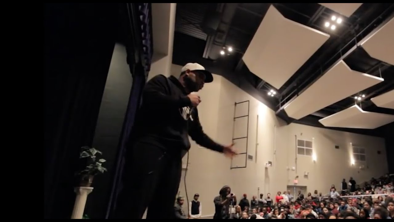 "Motivational Speaker Goes Off After Being Disrespected By Black High School Students. ""Have You lost your mind"""