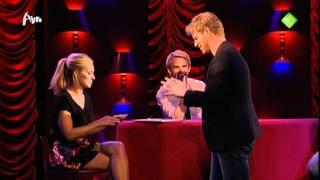 Jennifer Hoffman 9 oktober 2011 Mag ik u kussen Bart Cannaerts betast borsten