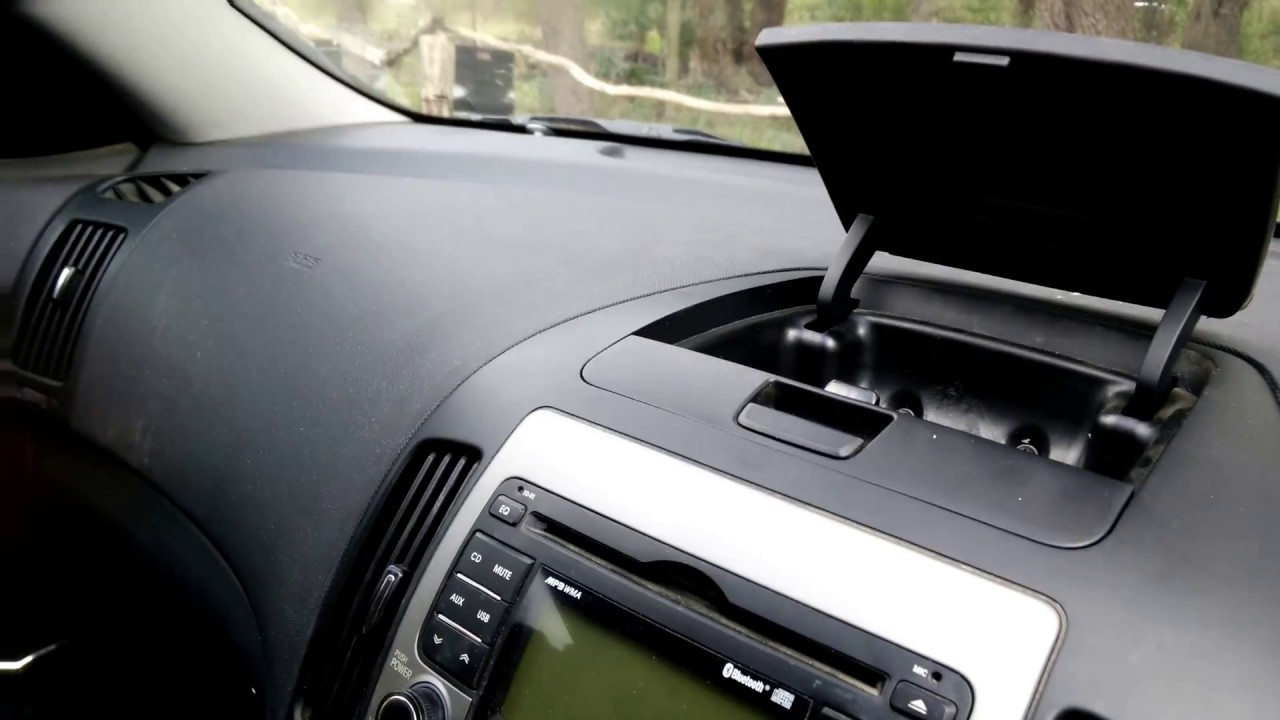 How to remove a 2011 Hyundai I30 RADIO (The EASY way) FD01  YouTube