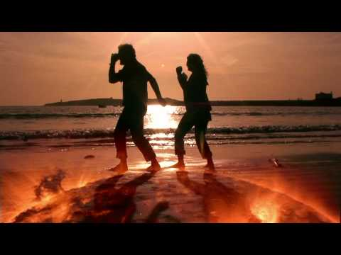 Smashmouth - Walking on the Sun