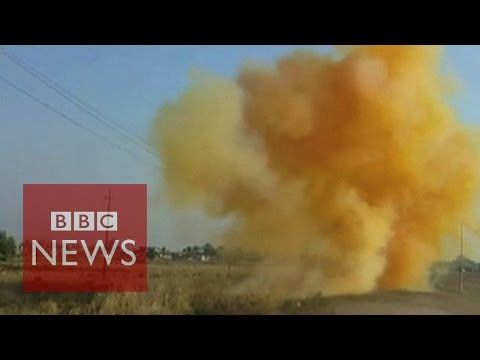 "Islamic State's toxic ""chlorine gas"" bombs - BBC News"
