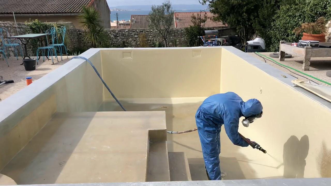 Construction Piscine Bagnols Sur Ceze stratification polyester piscine gelcoateuse a l'eau piscine