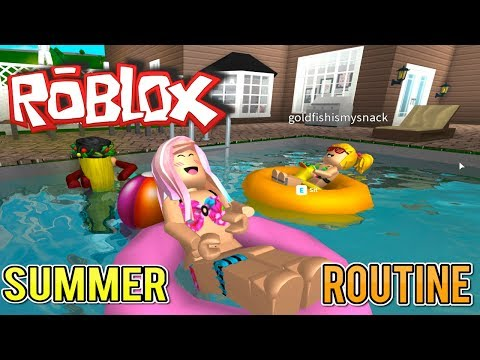Bloxburg Summer Routine with Baby Goldie & Titi Games - Roblox Roleplay for Kids