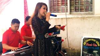 Liên khúc remix Khúc Tình Nồng với nữ ca sĩ Kim Phụng.