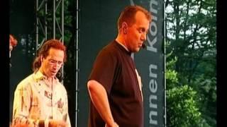 Probier's mal mit 'nem Baß - Wise Guys (Wise Guys - Die DVD) + Lyrics