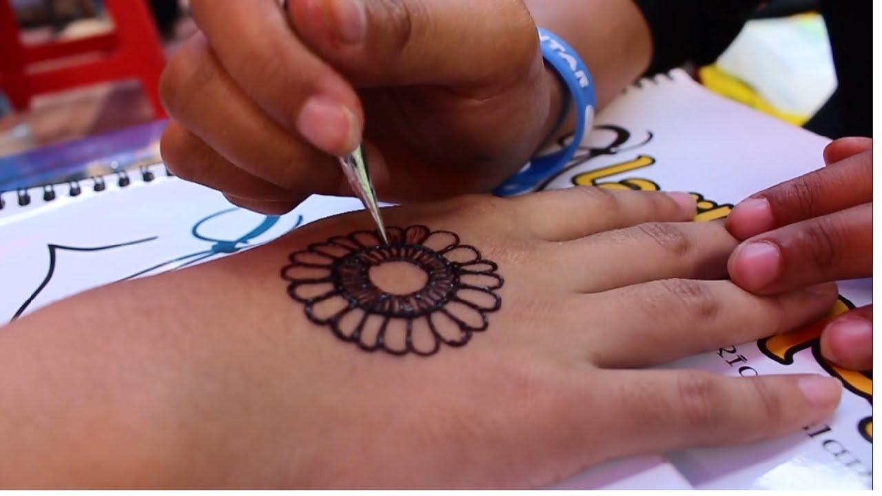 Tampil Cantik Dengan Seni Lukis Henna Sunmor Ugm Youtube