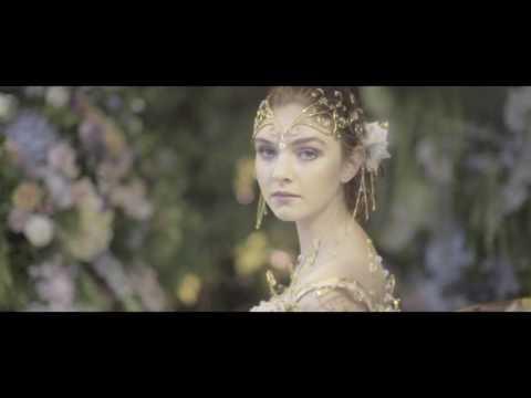 Amie Bone Flowers' 'Enamour' Showcase