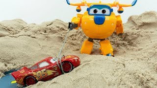 Disney Cars 3 Toys Lightning Mcqueen Super Wings Donnie Rescue in Sand