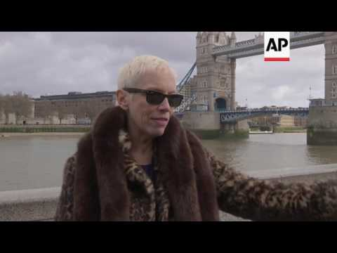 London mayor and Annie Lennox at Women's March Mp3