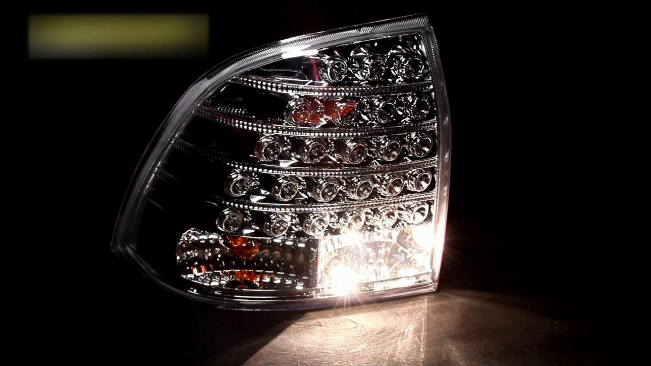 Кстати, любопытный факт: люди, разрабатывавшие 2106, гордятся тем, что совместили задние фонари с подсветкой заднего номера в одном корпусе. Или немногим бо́льшие деньги можно было купить и проверенный катафалк 2114, и многострадальную калину, и приору в комплектации « стандарт»,
