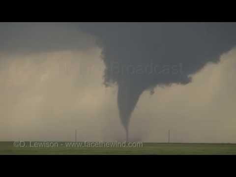 Incredible tornadoes near Dodge City KS - May 24, 2016