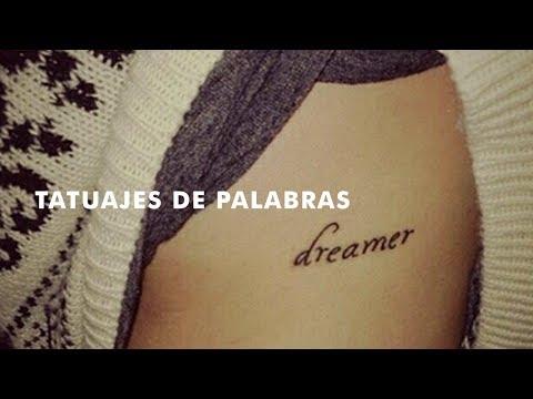 Pequeños tatuajes de una sola palabra