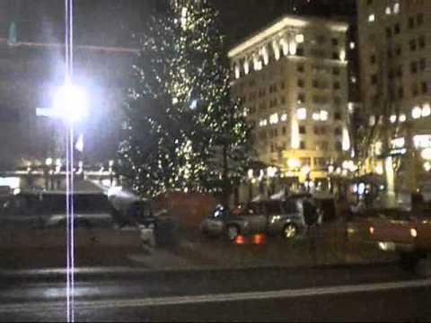 Pioneer Courthouse Square - Christmas tree venture 2010
