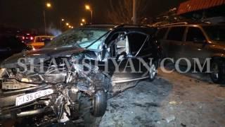 Նուբարաշենի ավտոշուկայի մոտ «ճակատ ճակատի» բախվել են  Mercedes ն ու Mitsubishi ն