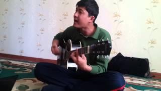 бека классно поет под гитару