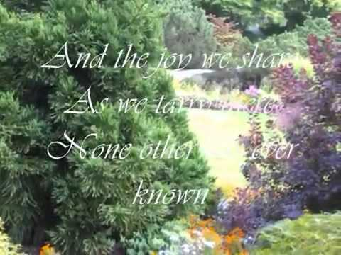 Jim Reeves  IN THE GARDEN with LYRICS - YouTube.flv