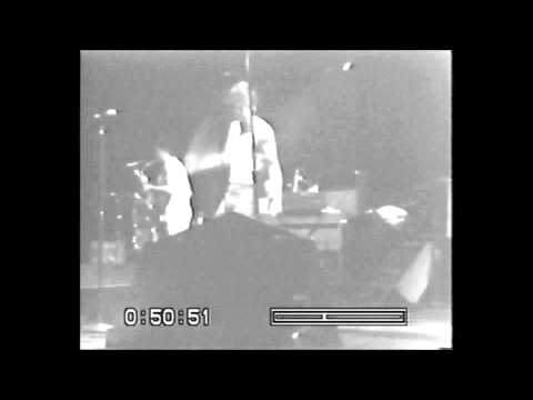 bruce-springsteen---live-at-passaic---8.-racing-in-the-street