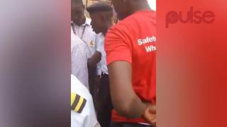 Nigerian Navy Officer Beats Up A Security Guard And Tries To Talk His Way Out From Been Arrested