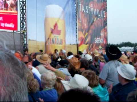 Big Valley 2010 World Record Karaoke (25000 + people)
