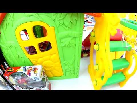 голова динозавра напала на ребенка идем в магазин игрушек дочки сыночки в торговый центр